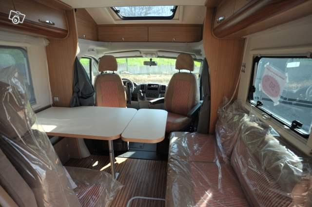 essai camping car adria matrix 680 sp axess. Black Bedroom Furniture Sets. Home Design Ideas