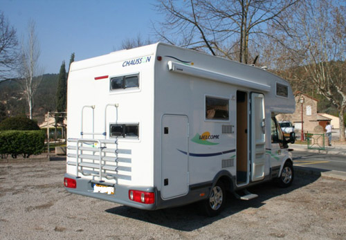 essai camping car chausson welcome 23. Black Bedroom Furniture Sets. Home Design Ideas
